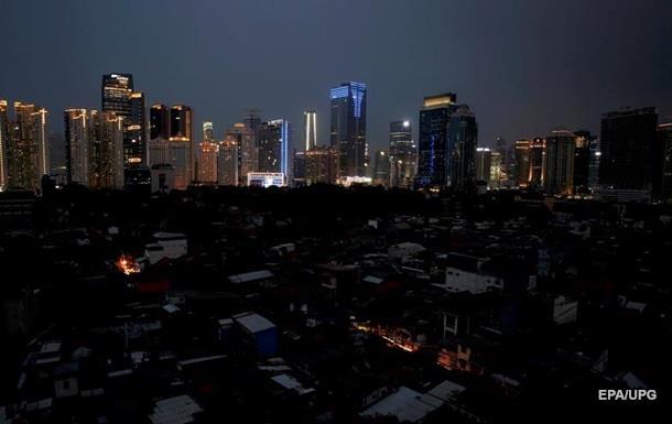 Масштабний блекаут в Індонезії: без світла десятки мільйонів людей