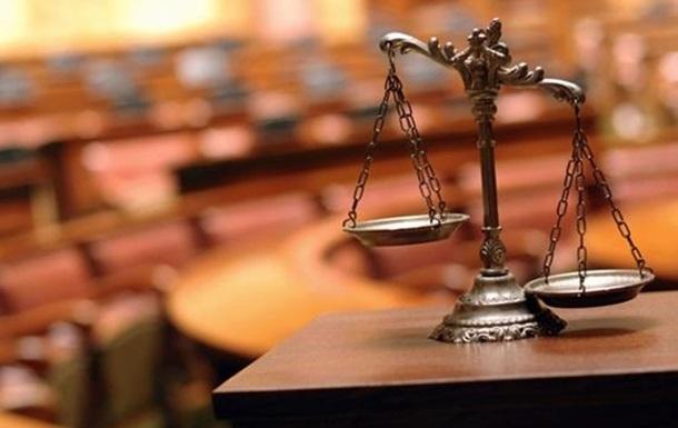 Судді та адвокати перед законом рівні. Судді – рівніші?