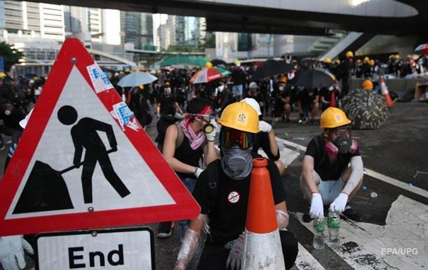 В Гонконге полиция задержала 82 человека во время протестов