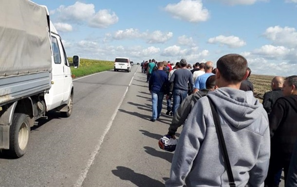 На Донбасі гірники пройшли 16 кілометрів, аби вимагати зарплату