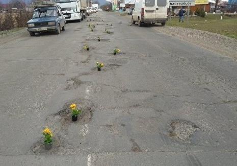 В Новограді нарешті взялись за дороги: що це означає