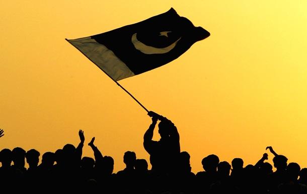 У Кашміру забрали незалежність. Це загрожує війною