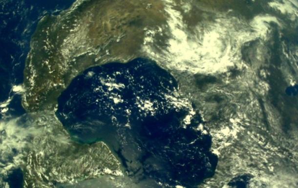 Індійський місячний апарат сфотографував Землю