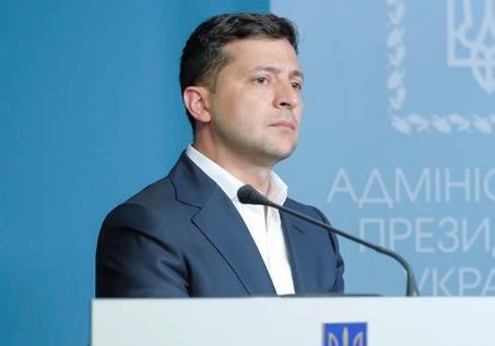 На что живут президенты Украины: сравнение зарплат Зеленского и Порошенко