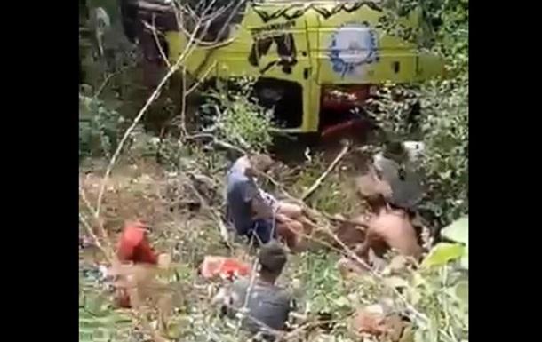 У Туреччині 12 туристів постраждали в ДТП за участю автобуса