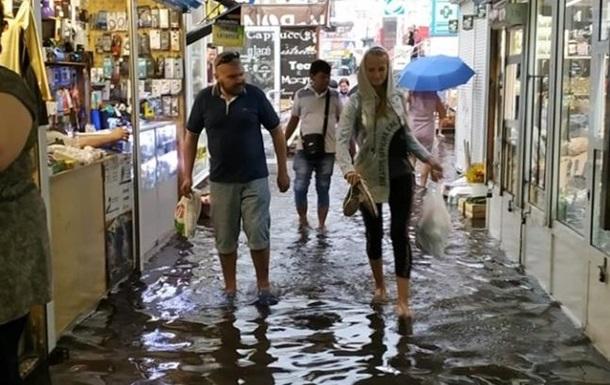 По Киеву и области промчался ураган: последствия