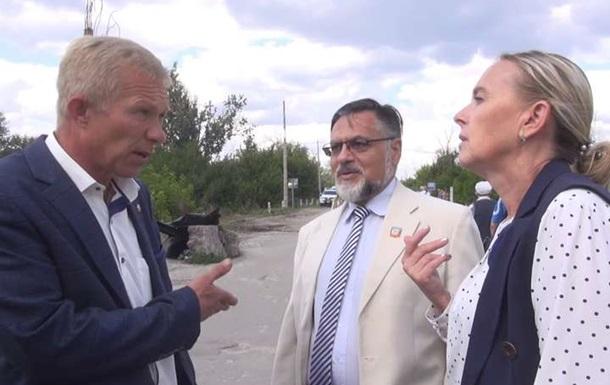 Гості з  ЛНР . Зустріч на мосту в Станиці Луганській
