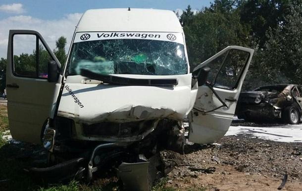Под Житомиром в ДТП с маршруткой пострадали 24 человека