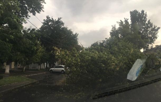 Мощный ураган парализовал Николаев