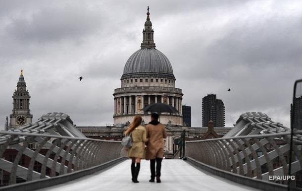 Жителі Лондона і частини Британії залишилися без світла
