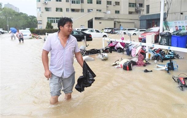 В Китае эвакуировали более миллиона человек из-за супертайфуна