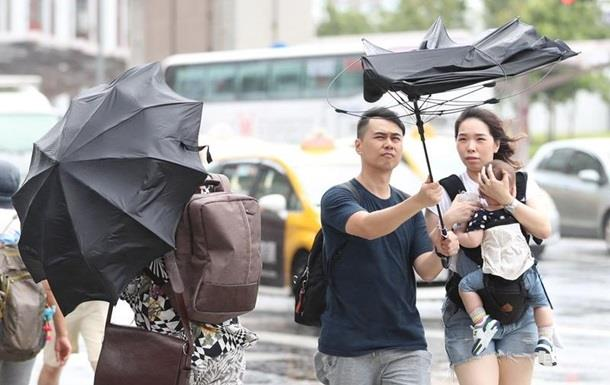 Супертайфун у Китаї: 13 загиблих, 16 зниклих безвісти