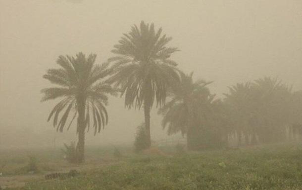 В Ірані через піщану бурю постраждали сотні людей