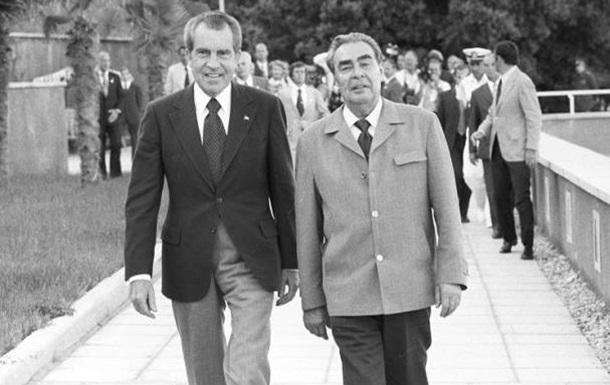 Отставка Никсона: урок не пошел впрок