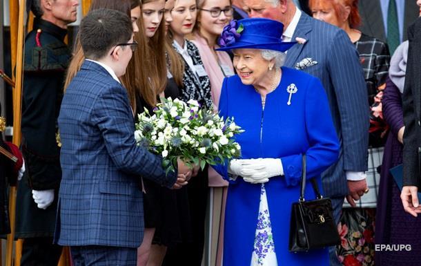 Королева розчарована британськими політиками - ЗМІ