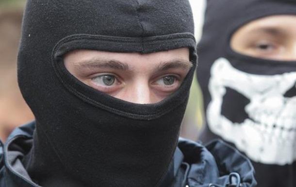Устроили поножовщину: украинские радикалы напали на мужчину из-за одежды