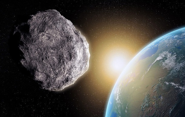 К Земле летит большой астероид
