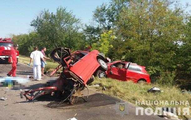 У ДТП на півдні Одеської області загинули чотири людини