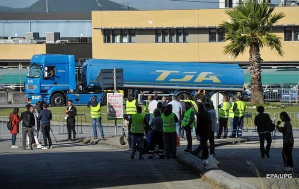 В Португалии ввели нормы на продажу топлива из-за забастовки
