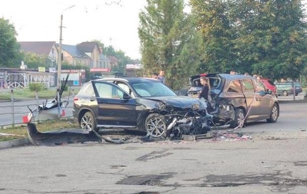 ДТП в Івано-Франківську: дівчина розбила п ять машин