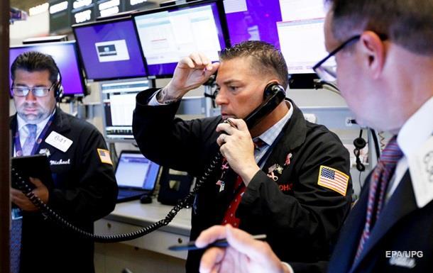 Фондовые индексы США потеряли более 1%