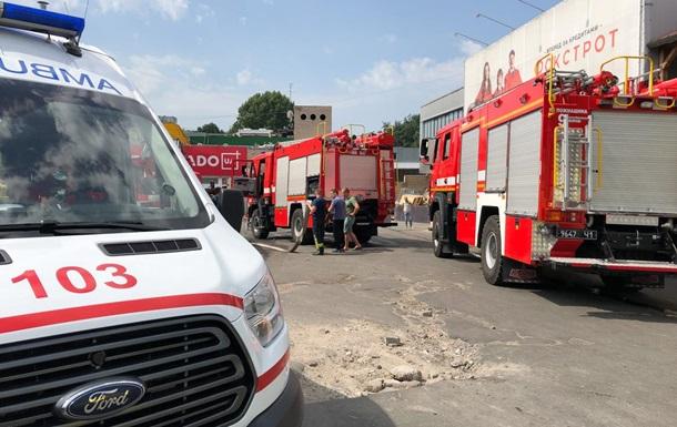 У Києві сталася пожежа в торговому центрі Квадрат