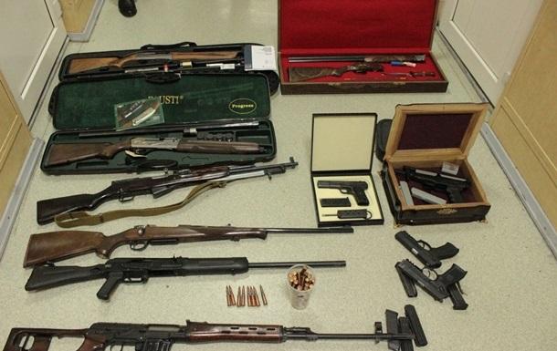 В доме экс-президента Кыргызстана нашли 24 единицы оружия