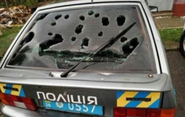 Аномальний град на Буковині розбив весь районний автопарк поліції