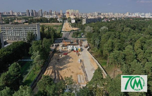 З явилися фото будівництва метро на Виноградар