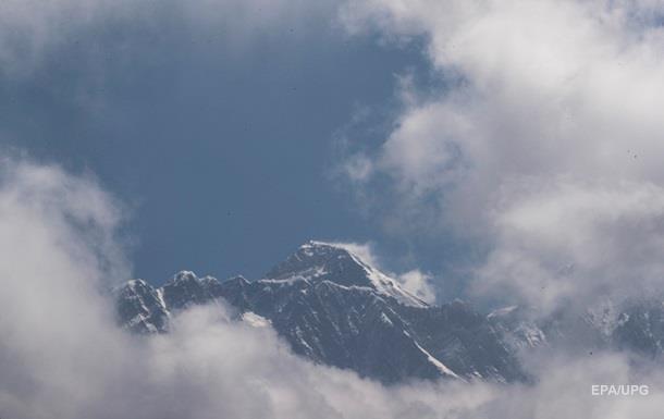 Непал посилює вимоги до охочих піднятися на Еверест