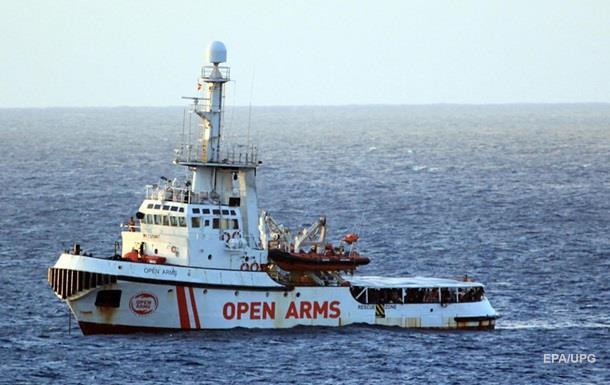 Шесть стран ЕС готовы принять 147 беженцев с судна Open Arms
