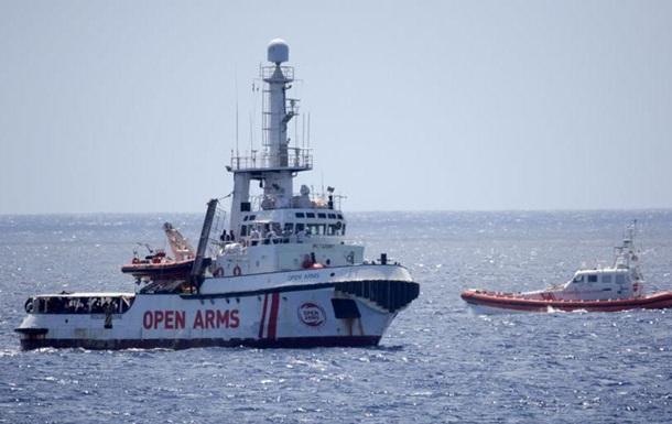 Шість країн ЄС готові прийняти 147 біженців з судна Open Arms