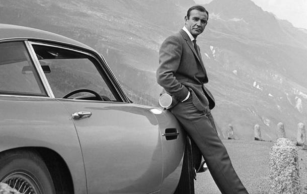 На аукционе продали бондмобиль 1965 года