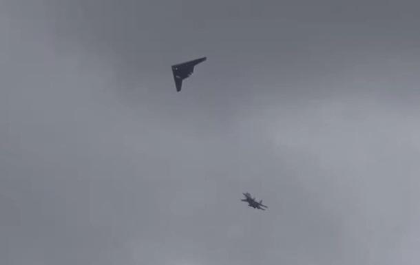 В РФ испытали дрон Охотник в паре с истребителем