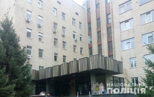Лікарів з Інституту раку затримали за хабарі