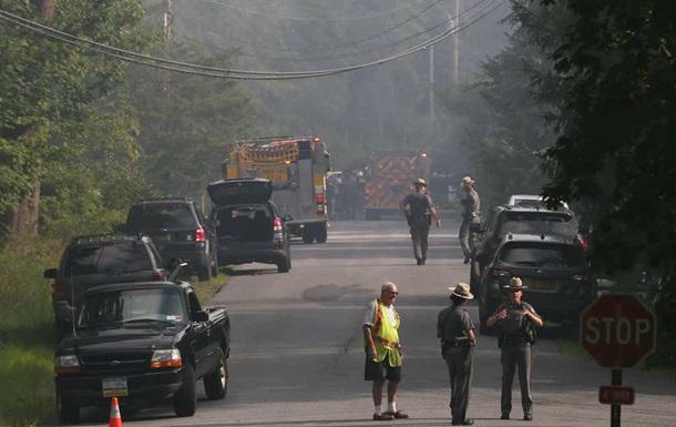 В США при падении самолета на дом погиб человек