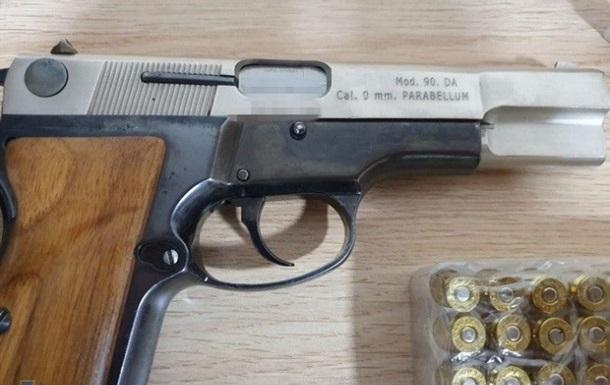 СБУ затримала колишнього бійця АТО за торгівлю зброєю