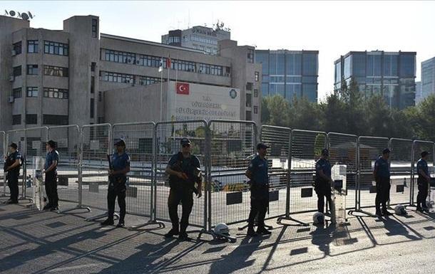 АТО в Туреччині: відсторонені три мери, затримано понад 400 осіб