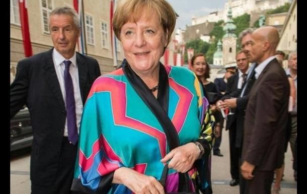 Ангела Меркель вышла в свет в наряде, которому 23 года