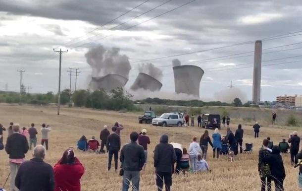 Демонтаж електростанції в Британії: без світла залишилися 50 тисяч будинків