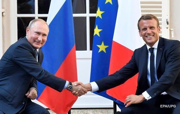Путін розповів Макрону за переговори із Зеленським