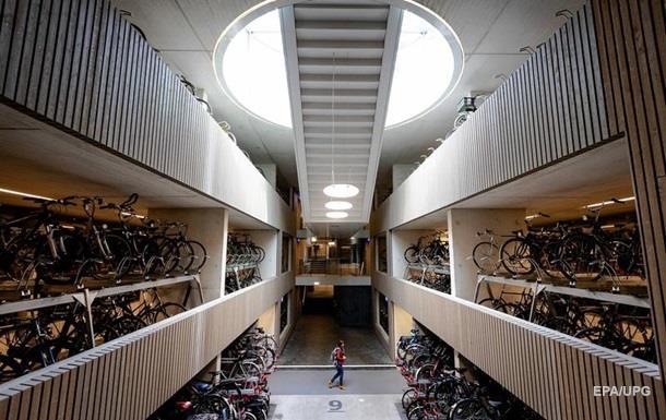 В Нидерландах открыли крупнейший велопаркинг