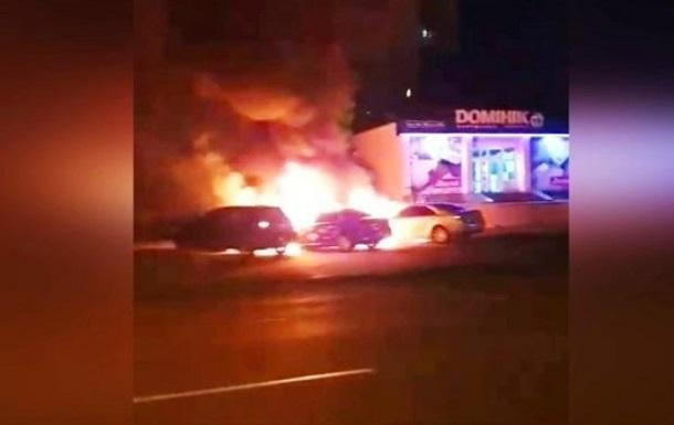 У Вінниці згоріли два авто, підозрюють підпал