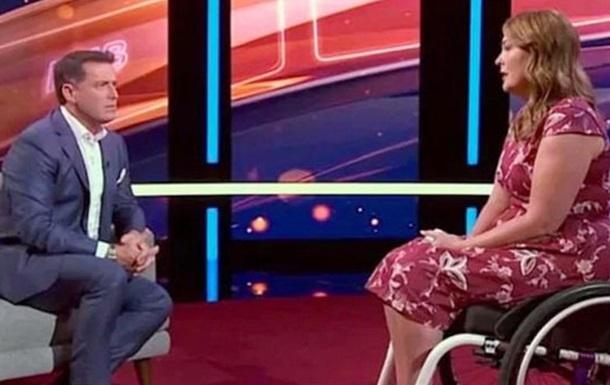 Австралийка замаскировала прыщ и ее парализовало
