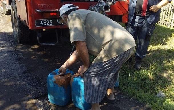 Жителям Луганщины начали подвозить воду