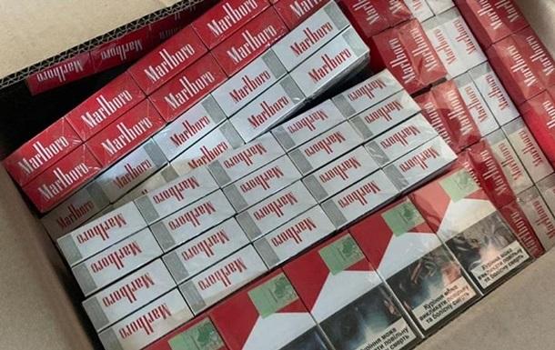 На кордоні з Румунією виявили фуру з контрабандними сигаретами