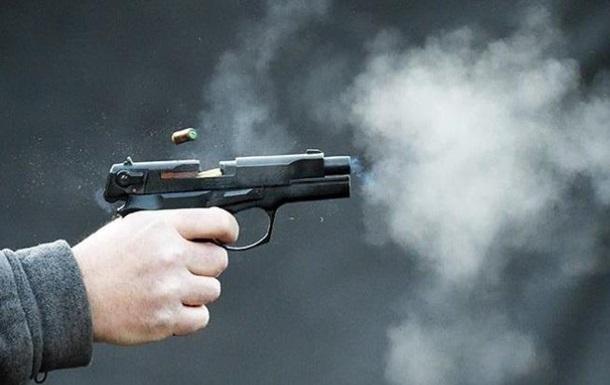 В Киеве неизвестный стрелял в женщину на улице
