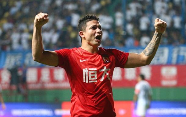 Китай планирует натурализовать девять футболистов перед ЧМ-2022