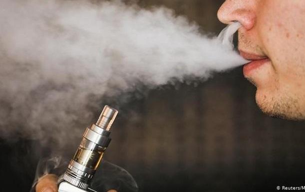 У США зафіксовано першу смерть, яка може бути спричинена е-сигаретами