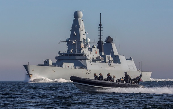 Британия отправила военный корабль в Ормузский пролив
